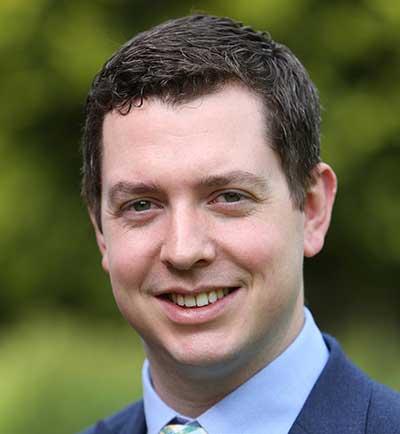 Stephen Armstrong : Financial Controller